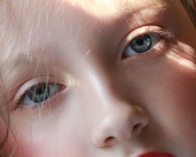 Close-up Eye Childhood Child Body Part Human Body Part Human Eye Real People Portrait One Person Looking At Camera Girls Indoors  Females Eyelash Human Face Women Innocence Baby Eyebrow EyeEmNewHere
