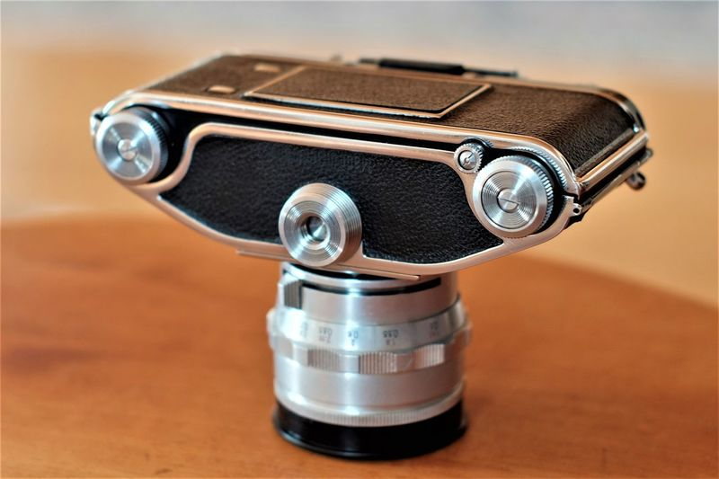 High End Exakta Varex IIa Camera German Technology 🇩🇪 Antique Camera - Photographic Equipment German Camera Old-fashioned Photography Themes Table Technology Vintage