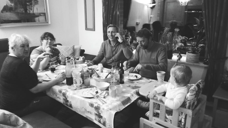 Indoors  Sitting Medium Group Of People Lifestyles Table Togetherness The Places I've Been Today September 2016 Autumn 2016 Monochrome Blackandwhite Family❤ I Love My Family Family Portrait That's Me