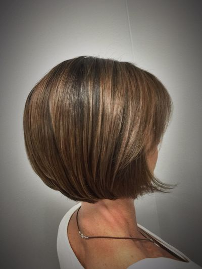 Beautiful Balayage & a bob haircut @znevaehsalon Check This Out Hair Style Knoxvillesalon Z Nevaeh Salon Haircolor Hair L'Oreal Professionnel Inoa Tecni.art Balayage