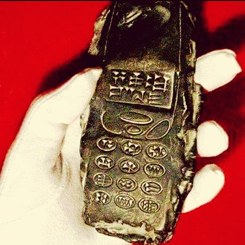 Looking Into The Future Scifiesque Saturne Old Phone OpenEdit Sculpture Encrypted All_shots Resin Artefact