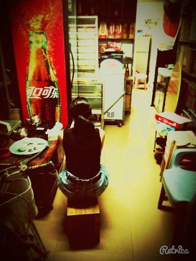 A friend in a mini store Relaxing Hi! Enjoying Life Hanging Out