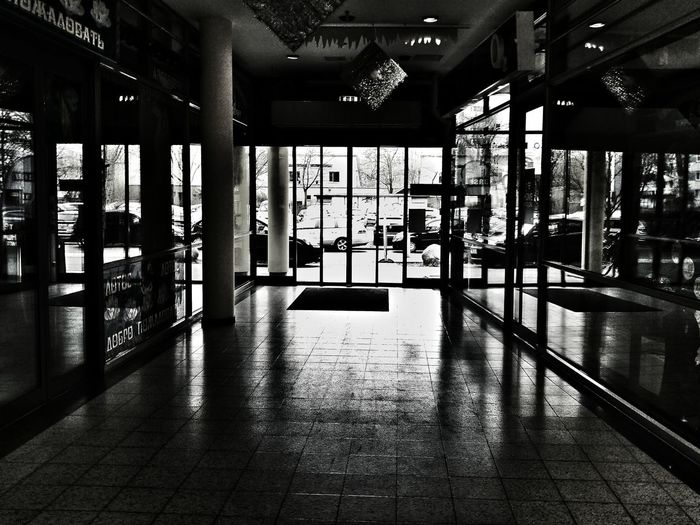 Walking Around Streetphotography Documentary Black & White Cityscapes Architecture Streetphoto_bw