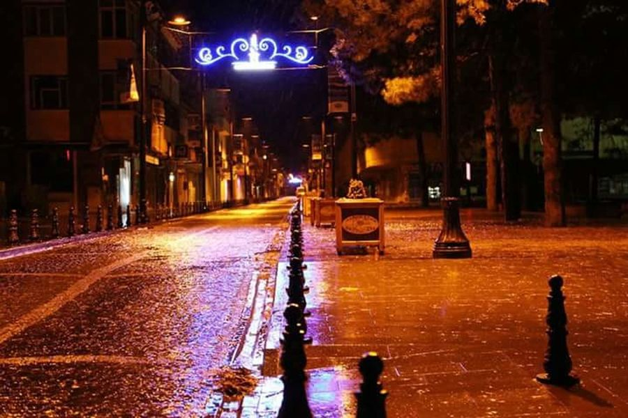 Erzincan Illuminated Night Street City Transportation Building Exterior Road Architecture City Street Built Structure Wet City Life The Way Forward Outdoors Diminishing Perspective