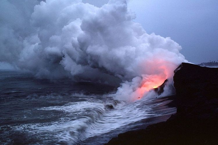 """""""Its apart of a much larger pucture than you could ever imagine, and its raging within you like the wave of the ocean against the rock of the land"""" Photography Notmine Scenery Ocean Volcano Waves Pale Darkpale"""