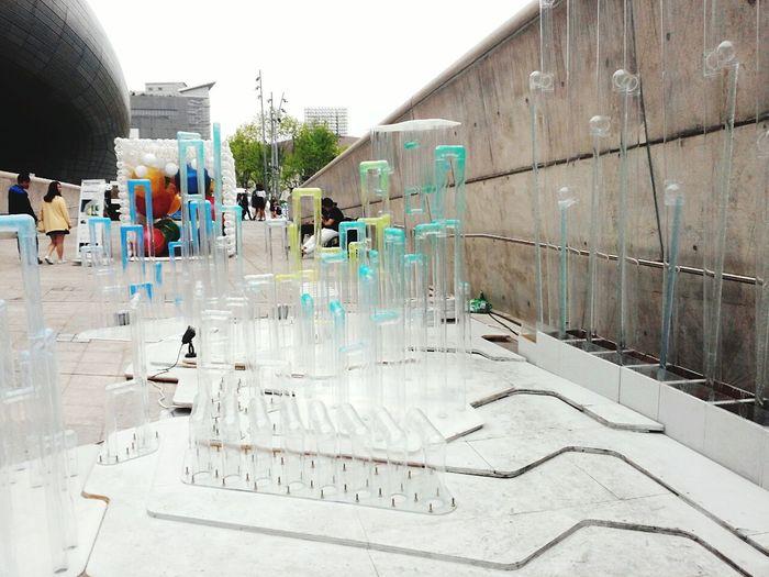 Waterdrops Cheonggyecheon Seoul, Korea Architecture 이화여대 DDP - DongdeamunDesignPlaza 동대문디지털플라자