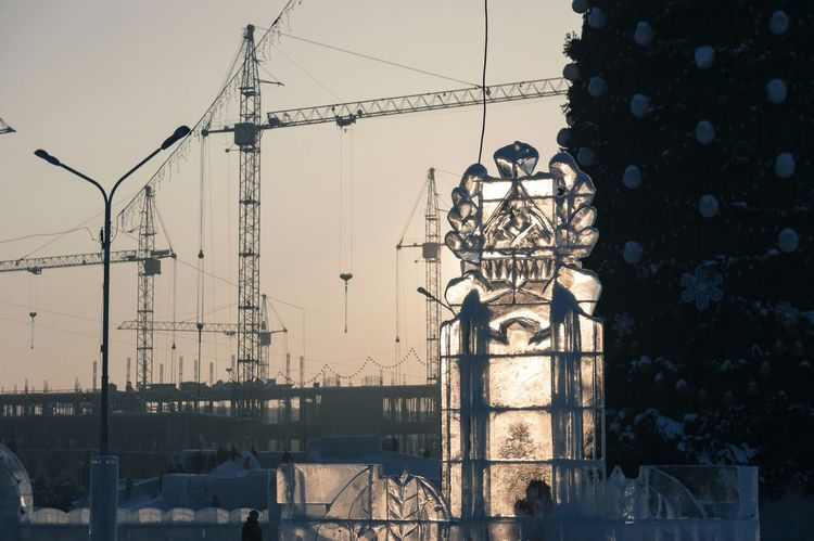 Ice Sculpture New Year Tree Building Site Building Crane Novokuznetsk Kuzbass Siberia Russia Creative Light And Shadow