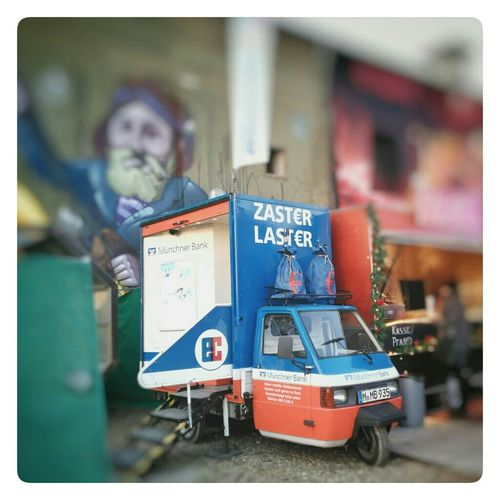 Zaster Laster (Bank2go) München Cityscapes Enjoying The Sights Fairground Check This Out Ape