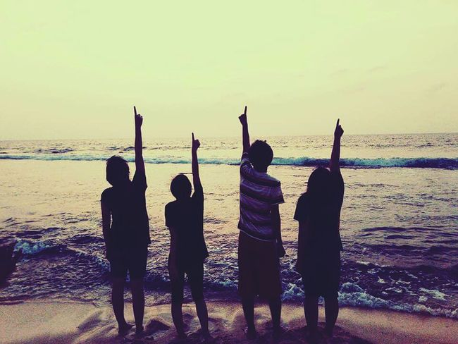 One God ☝️ Oceans FRIENDSHIPGOALS Sunset Cellphone Photography Beginnerphotographer Live your life to the fullest💕
