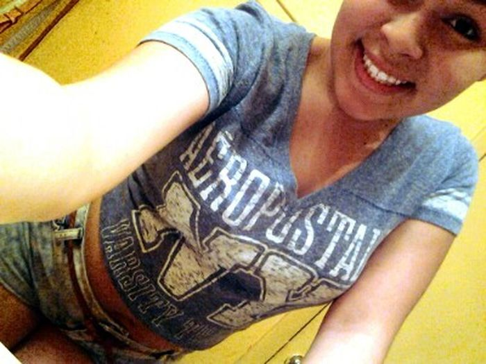 Late uploads I swear XD . my Smile infront of the camera XD Selfie ✌ To Pretty For Men Beautiful Lesbian♥♀
