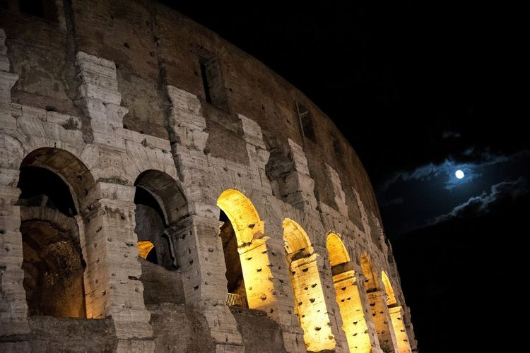Colosseo Nightphotography Roma Ancient Ancient Civilization Arch Archaeology Architectural Column Architecture Belief Building Building Exterior Built Structure Click Gadiator History Illuminated Imperialempire Low Angle View Luna Nature Night No People Old Ruin Outdoors Place Of Worship Sky Story The Past Tourism Travel Travel Destinations
