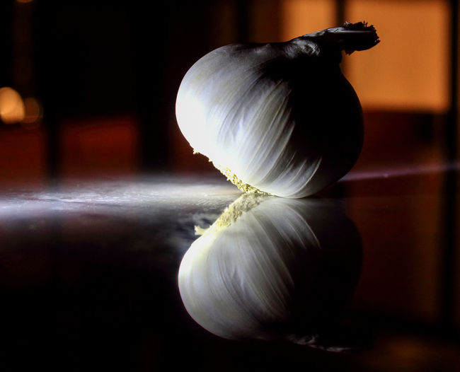 Garlic Aglio Close-up Focus On Foreground Food Food And Drink Garlic Bulb Indoors  Plant Bulb Vegetable