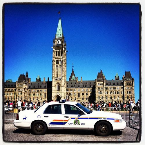 RCMP Protects The Parliament. #Ottawa #Canada Instagramhub Webstagram Architecture Capital IPhoneography Protect Security Parliament Tourist Igcanada Visitors Allshots_oct12_landmark Police Igvermont Canada Igvt Ottawa Canadian_landmark Iphoneonly Canadian_icon Canadian Rcmp All_shots Squadcar Instamood Government Instagood