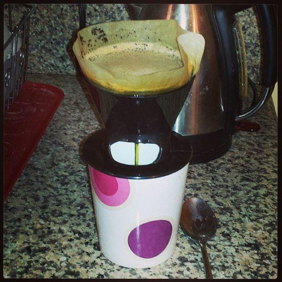 One cup of Joe at a time!!! Dunkindonuts Frenchvanilla Sugarfree Frenchvanillacreamer gettingreadyforclass sweetandmilky justlikeilikemyman drinkitup myrelaxer