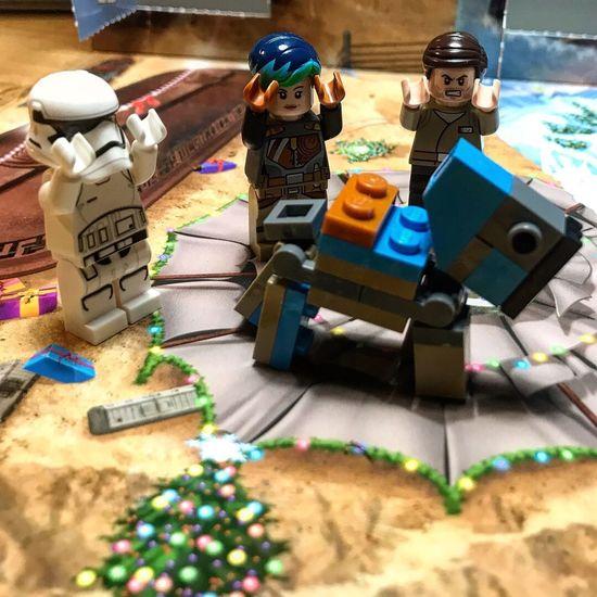 Star Wars Lego advent calendar: Day 11 LEGO STAR WARS!! Lego Star Wars Photography Lego Star Wars  Starwars Lego Minifigures Legophotography LEGO Toy Indoors  Human Representation Table Figurine  Childhood Cardboard Box