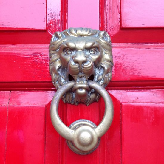 Brass Doorknocker Lion Doorporn Reddoor Red Cirencester Cotswolds April Showcase