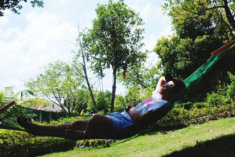chillin Tree Low Section Full Length Men Child Smiling Happiness Childhood Cheerful Lying Down Hammock Swing