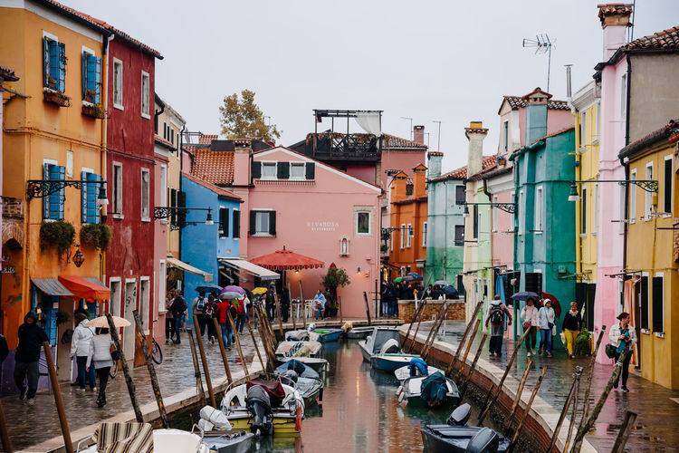 Venice Venice, Italy Building Exterior Architecture Built Structure Building Group Of People City Real People Sky Transportation Water Day Residential District Crowd Nature Clear Sky Large Group Of People Mode Of Transportation Women Men Outdoors Canal