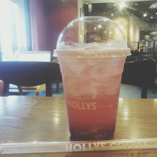 굿모닝:') 캠벨스파클링 @hollys coffee Goodmorning :) Buenos Días Sparkling Ice