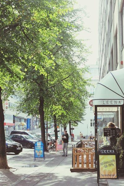 Lâu lắm mới trang điểm sau bao nhiêu lâu mà cuối cùng cũng chẳng được việc mấy nhỉ :p Được cái là nắng vẫn luôn đẹp. Tampere Sunshine Green Summer