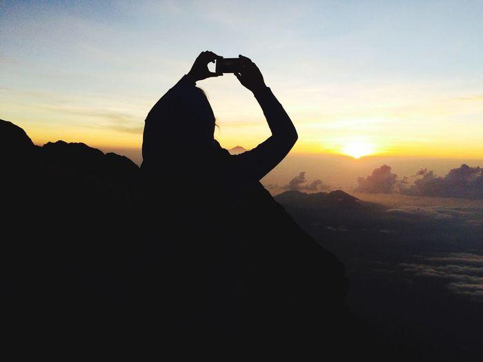 Bali остров вулкан агунг Остров Бали, вулкан агунг, встречаем расвет на высоте 2845 метров. Bali island, the volcano Agung, meet the dawn on the height 2845 meters