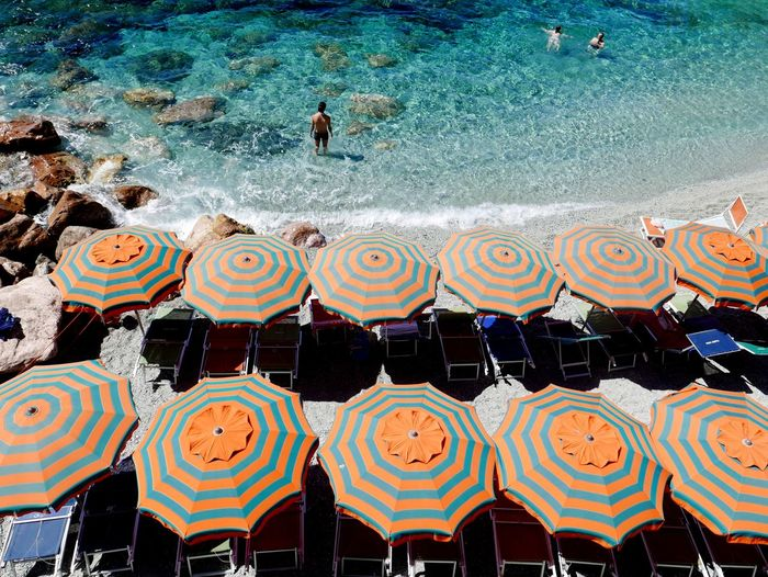 Estate High Angle View Nature Water Umbrellas Summertime Bestshotoftheday Pic Of The Day Lazymorning Color Palette Color Photography EyeEm Best Shots The Week On EyeEm Your Ticket To Europe Monterosso Al Mare
