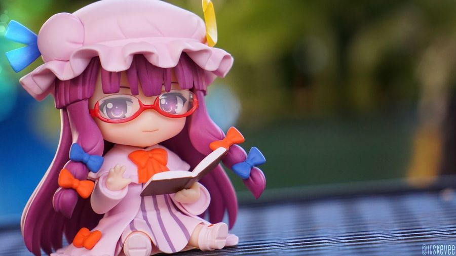 Patchouli: Hello 👋🏽 Cute Close-up Colorful Touhou Touhou Project Focus On Foreground Anime Art Creativity ねんどろいど Nendoroid Outdoors Outdoor Photography Toyphotography Still Life Dress Purple