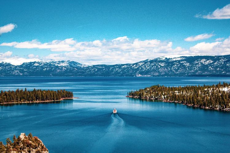Lake Tahoe River Boat Nature Beauty Lake Snow Tahoe Water Cloud - Sky Beauty In Nature Scenics - Nature Sky Mountain Lake Tranquil Scene Tranquility Nature Blue Non-urban Scene Travel Destinations Plant Day Tree Mountain Range Real People Outdoors