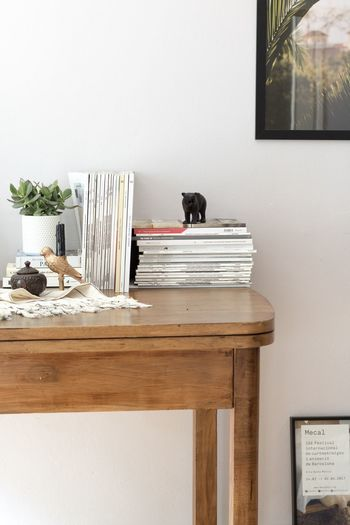 Bookshelf Canon Chill Decoration Design Home Home Sweet Home Interior Architecture Interior Design Interiors Interiors Design Life Lifestyles Light Living Room Objects Remodel Room Spaces Staging Textures And Surfaces