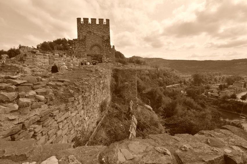 History Medieval Architecture Fortress Tsarevets VelikoTarnovo Bułgaria Monochrome Photography Travel Destination History