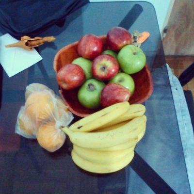 Esto es Amor ! This Is Love ! Das Ist Liebe ! Banana Banane Apple Äpfel Orange