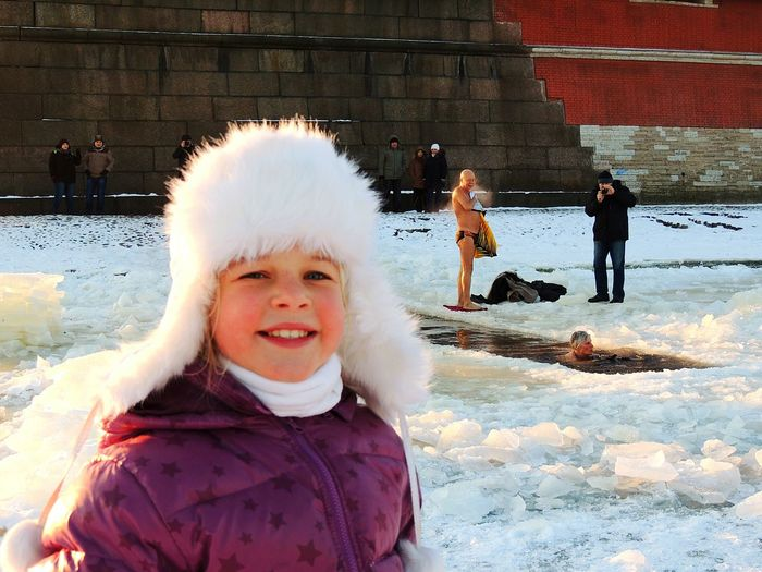 Winter Ice Swimming -30°C Very Cold Day Petropavlovskayafortress Russia Strong Russians Welcome Real Beach Beach Daughter The Photojournalist - 2016 EyeEm Awards The Portraitist - 2016 EyeEm Awards Girl Power