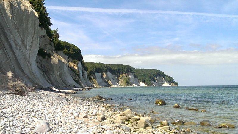 Rügens wunderschöne Küste. Ein strandnahes Ferienhaus für einen schönen Rügen Urlaub finden Sie auf www.insel-ruegen-urlaub.info Relaxing Enjoying Life Hanging Out Hello World