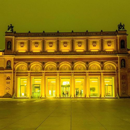 Kunsthalle bei Nacht CityWalk Exhibition Yellow Built Structure Architecture Illuminated Building Exterior The Past History Travel Destinations City Ornate Night Architectural Column Window Building