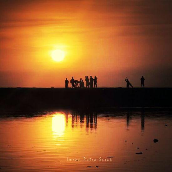 sunset moment Landscape #Nature #photography Sunset #sun #clouds #skylovers #skyporn #sky #beautiful #sunset #clouds And Sky #beach #sun _collection #sunst And Clouds Bluesky #landscape #seascape #sunset #longexposure #indonesia #beach Landscape_lombok