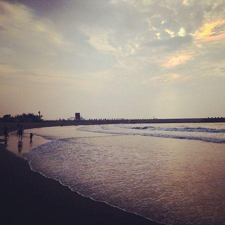 這裡,有好多的故事。 你、我、他、和她。 西子灣 Taiwan Sizihwan Kaohsiung beach gushan shaochuantou beautiful relax 中山大學