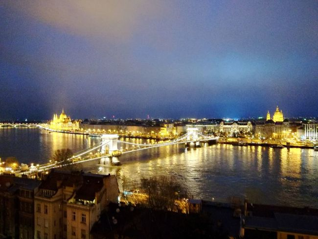 Danubio Budapest Budapest, Hungary Parliament House Architecture Bridge - Man Made Structure Built Structure River Illuminated Cityscape Water City