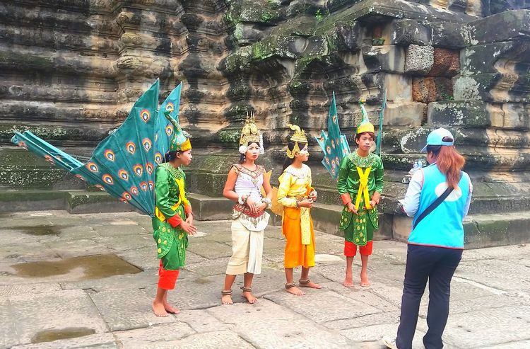 Preparing Travel Photography Travel Destinations Cambodia People Costume Southeastasia An Eye For Travel Outdoors Day Real People Full Length Standing Multi Colored Men Adult Adults Only Only Women People EyeEmNewHere Visual Creativity Adventures In The City Focus On The Story