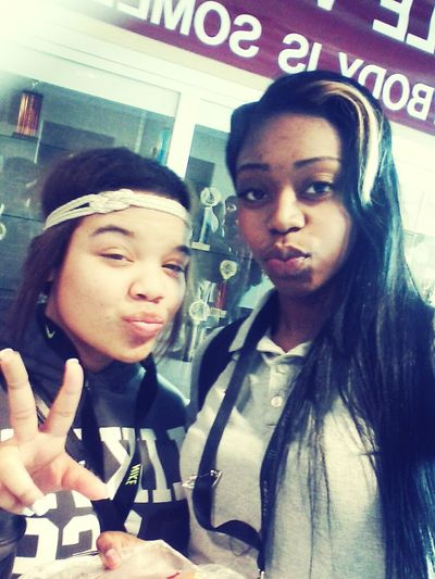 i look Ugly ! but me & Alize <3