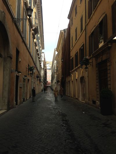 Streets of Rome Architecture Italy Roma Traveling People EyeEm Best Shots Streetphotography Travel Art