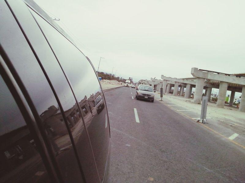 Camino a casa de guelita Queretaro, Mex. Ontheroad Carretera Construcción Construction Site