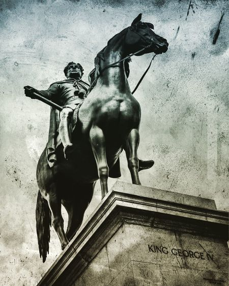 King George IV - the first (non)gentleman of England Statue Horse Sculpture 760D Canon Canonphotography London LONDON❤ London Lifestyle England United Kingdom Art And Craft Human Representation Male Likeness Low Angle View Architecture Day Outdoors Built Structure No People Building Exterior Sky