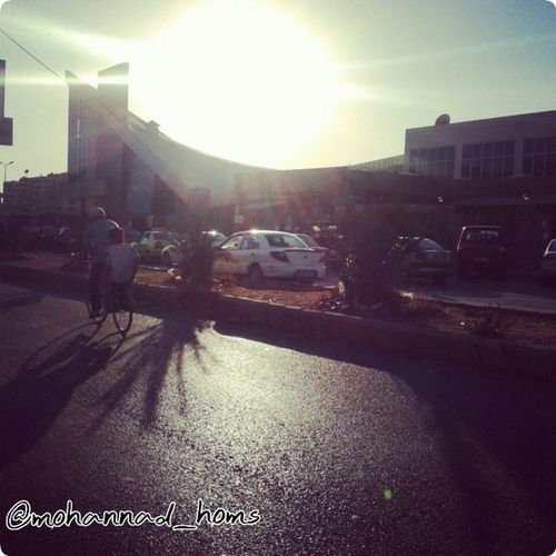 هنا_حمص .. حيث شعبً لا يكِلُ ولا يَمِل .. ينظر لـ الأمل الذي يسطع من شمس الحرية القريبة و ينتظر ! .. حمص_المحاصرة :)