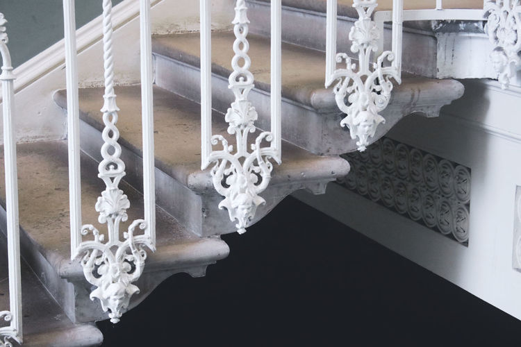 Indoors  No People Architecture Human Skeleton White Color High Angle View Staircase Day Bone  Built Structure Home Interior Chain Steps And Staircases Close-up Water Metal Decoration Luxury Architektur Architecture Detail Details Stairs Stairway The Traveler - 2019 EyeEm Awards