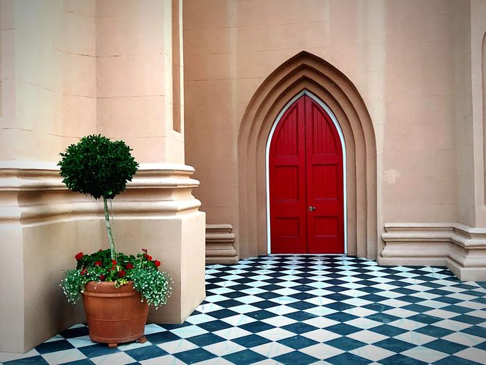 Architecture Arch Potted Plant Built Structure Plant No People Nature Building Entrance Door Flooring Day Checked Pattern Decoration Tile Tiled Floor Tree Architectural Column Flower Pot