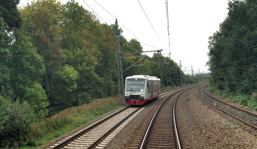 Ein Regishuttle RS1 der CityBahn in Richtung Chemnitz Hauptbahnhof