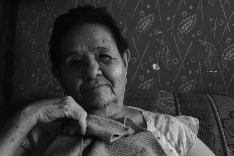 La mirada de la longevidad Adult One Person Portrait Indoors  Close-up Day People Beauty Third Age Oldtimer Time Family Lady Madam