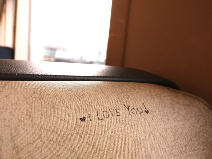I love you No People Close-up Window Ferry Love Message Hidden Messages I Love You Bench Bucolic Romance Cute Lovers Indoors  Home Interior Domestic Room Day Lovers Secret Lovers Secret Message Hidden Message For The Heart Dating Passion Art Is Everywhere
