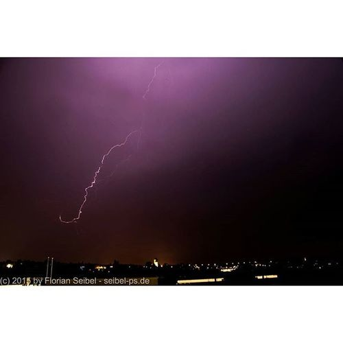 Blitze über Pirmasens Blitz Blitze Thunder Thunderstorm Thunderstorms Gewitter Gewittert Nacht Nachtaufnahme Langzeitbelichtung Regen Pirmasens Pfalz