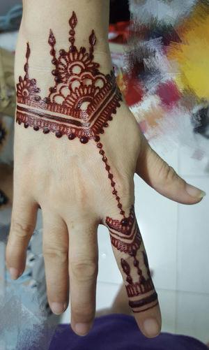 My hand pretty or the tattoo? Hennahands HennaTattooDesign